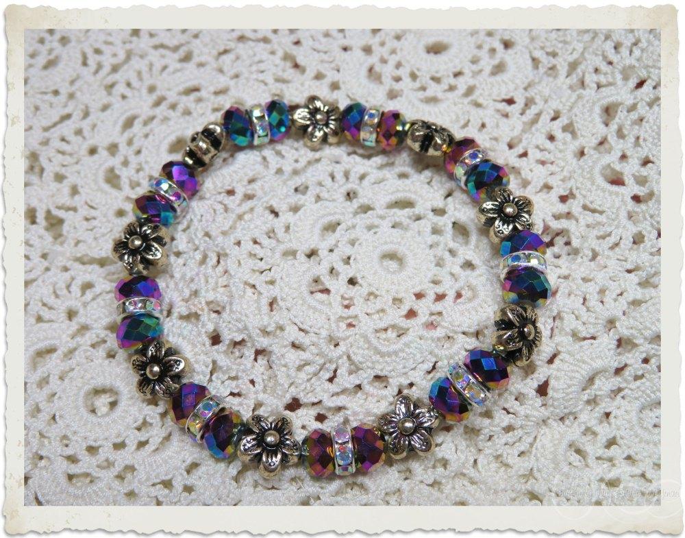 Purple bling bracelet with strass by Ingeborg van Zuiden