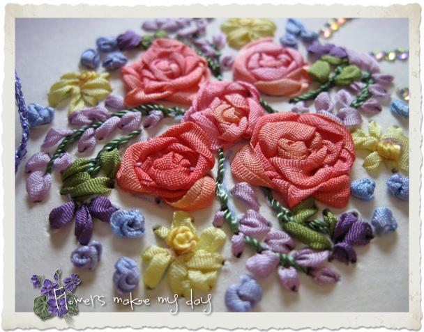 Details of silk ribbon roses and flowers by Ingeborg van Zuiden
