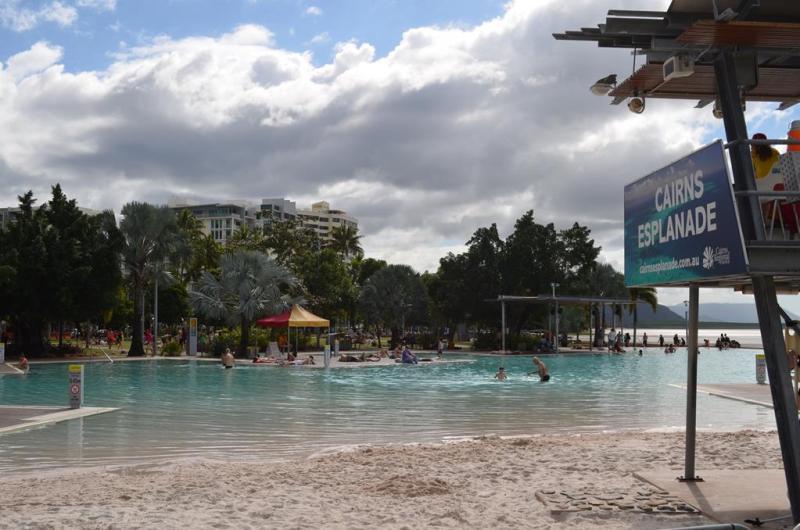 Lagoonen ved esplanaden i Cairns