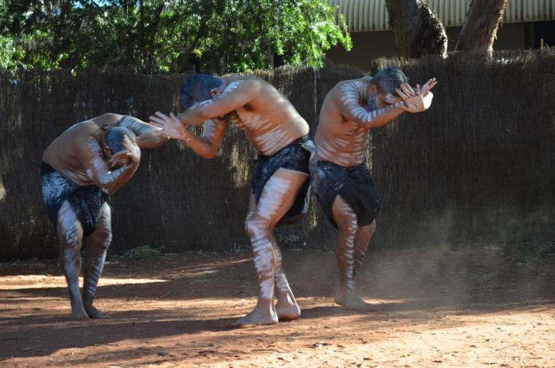 Aboriginal show i Yulara