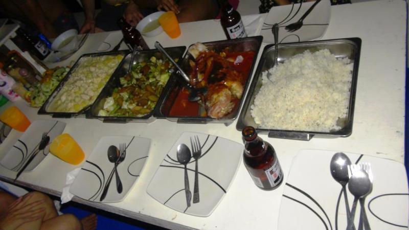 Vores aftensmad ombord, intet i forhold til hvad vi fik på vores andre liveaboard ture.