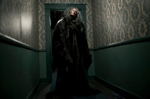 2-the-lords-of-salem-060712-586x390