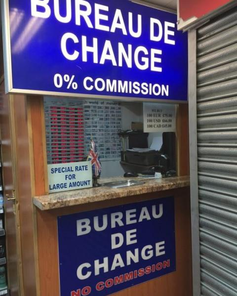 Cambiar dinero en destino