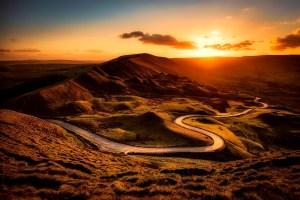 Carretera de Inglaterra al atardecer