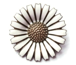 Anton Michelsen daisy brooch, one of four pieces of Danish daisy jewellery for sale at Inglenookery.
