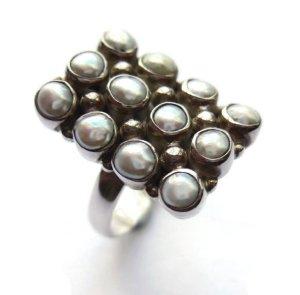 Vintage seed pearl ring.