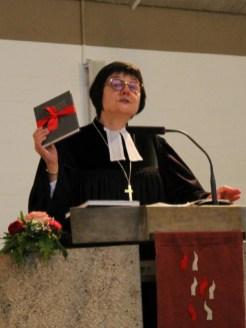 Dekanin Schwarz bei ihrer Einführungspredigt.