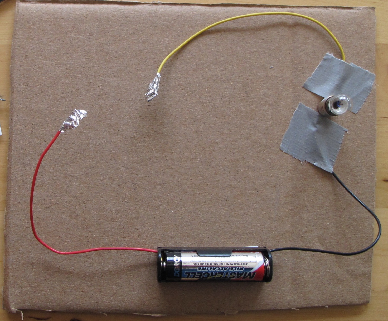 Electric Circuit To Light A Bulb
