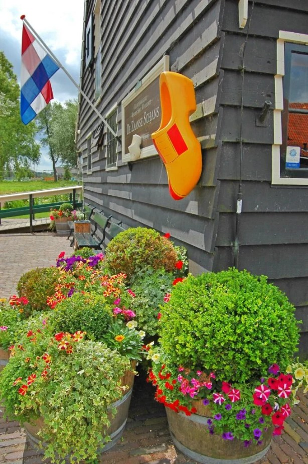 Zaanse Schans - The Windmill City | IngridZenMoments