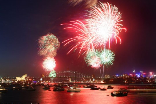 https://i2.wp.com/www.inhabitat.com/wp-content/uploads/sydney-fireworks.jpg