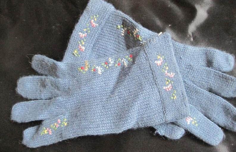 Cute Vintage Little Girls Gloves Inspires Idea