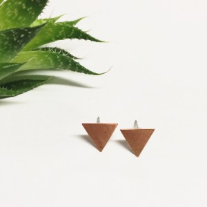 geometric copper flag studs (Kopie)