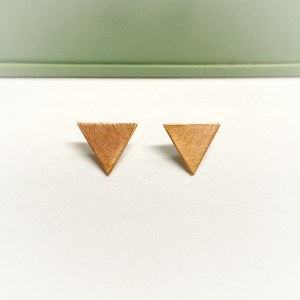 geometric copper flag studs (Kopie)