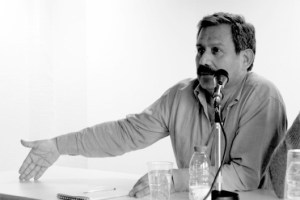L'écrivain et journaliste Hernando Calvo Ospina mérite la nationalité française