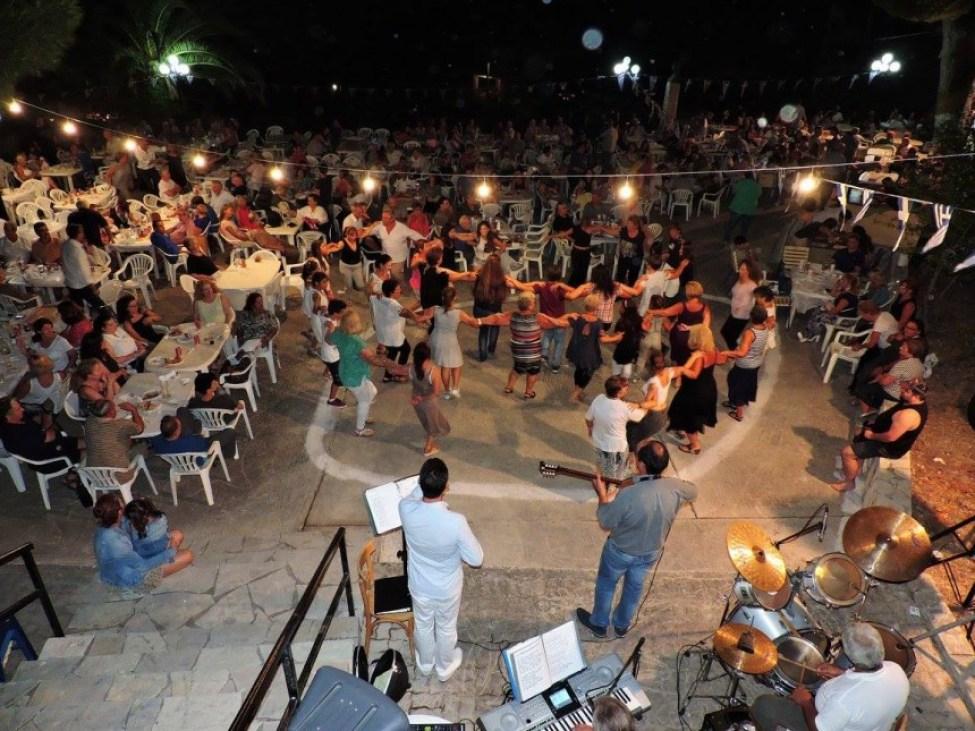 Γλέντι μέχρι πρωίας στα Καρδακάτα (εικόνες)