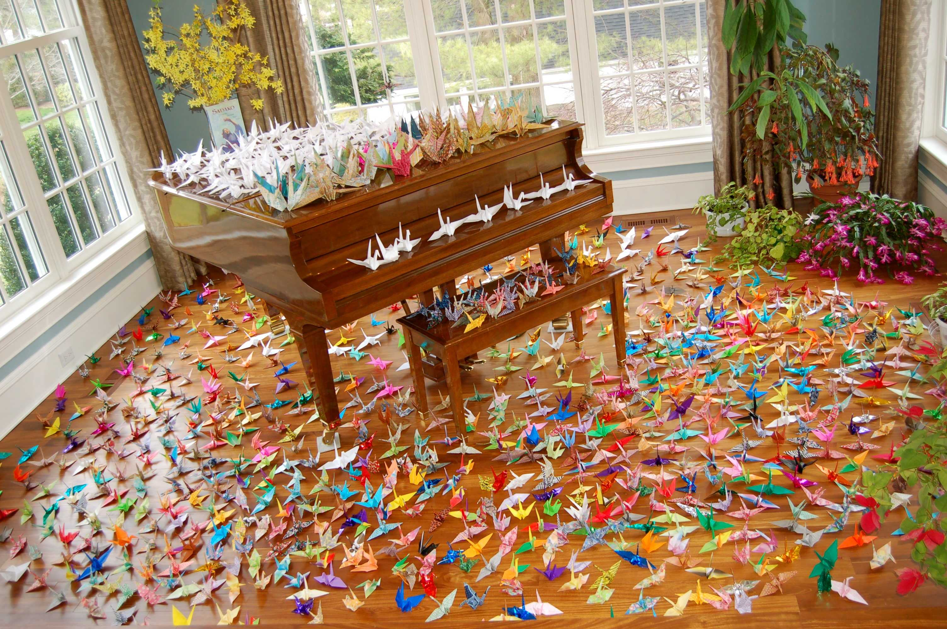 1 000 Paper Cranes For Japanese Relief Efforts Inklings News