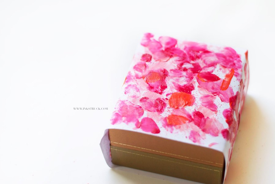diy gift wrap for valentine's day