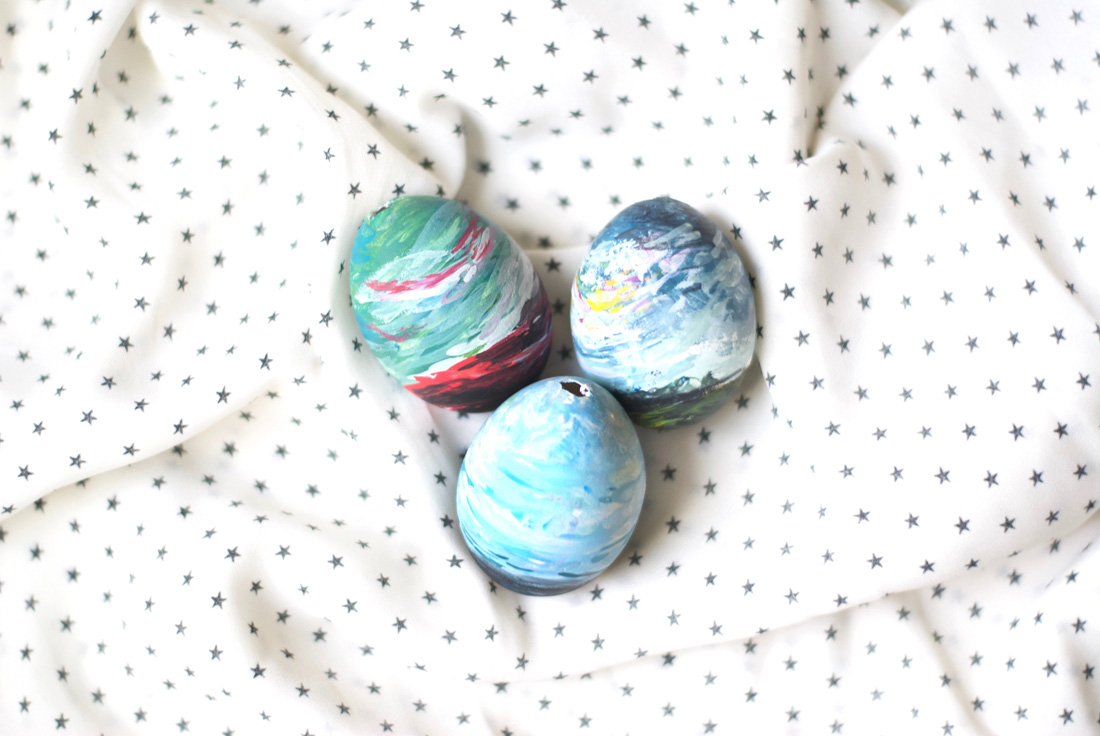 Learn to create beautiful DIY abstract art easter eggs - Zakkiya Hamza | Inkstruck Studio