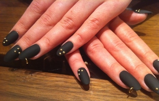 10 Cool Matte Nail Art Designs