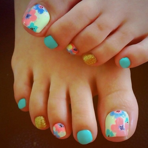 A Fun Looking And Colorful Toenail Art Design Make Use Of Blue Yellow
