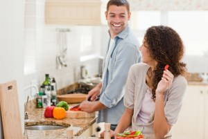 couple-cooking-healthy-dinner