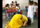 मुंबईमधली अशी एक शाळा जेथे शिक्षक विद्यार्थ्यांच्या पाया पडतात !
