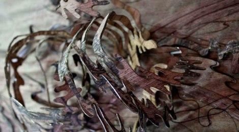 Shape shifting textiles: materials bio-mimicking nature.