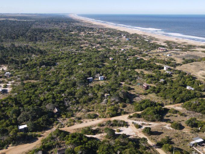Terreno a 3 cuadras de la playa en Punta Rubia.