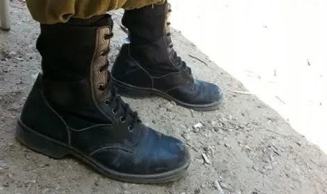 נעליים לטבעוניים. לא עשויות מעור
