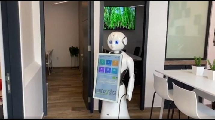 Oficinas, Escuelas y Casas Inteligentes utilizando IoT, Robotica e Inteligencia artificial