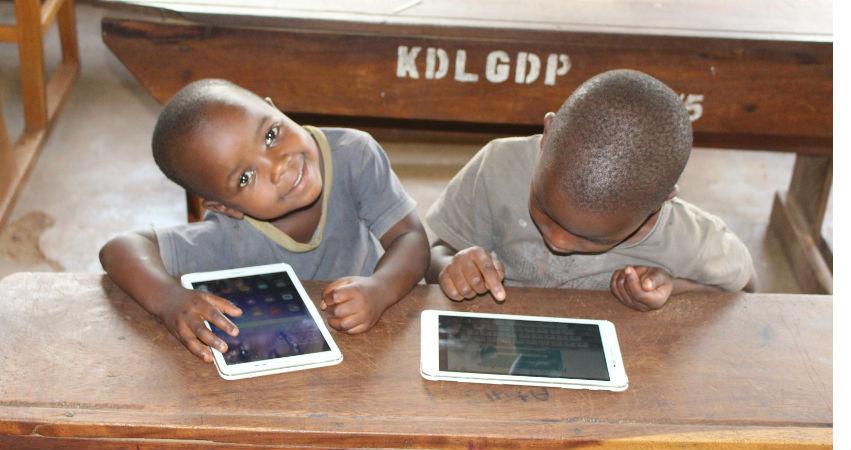 Proyecto ProFuturo, por el derecho de todos los niños a estudiar