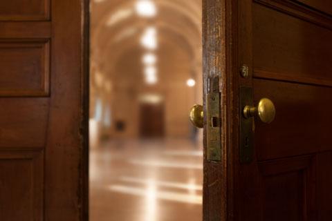 ホールへの入り口