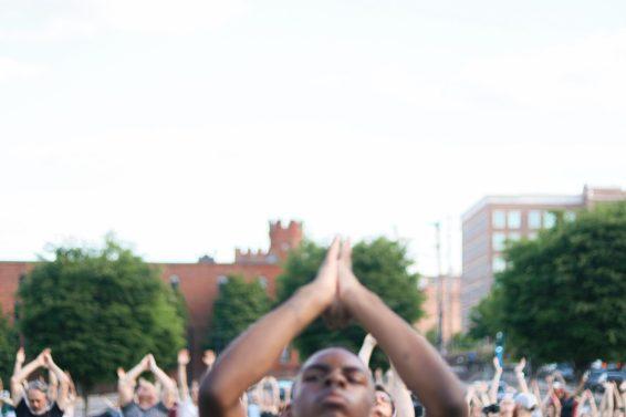 WFIQ - Yoga in the Park-17