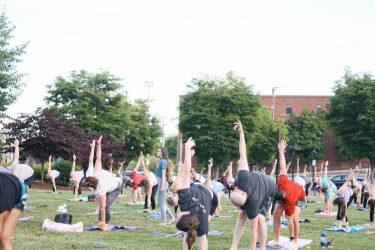 WFIQ - Yoga in the Park-9