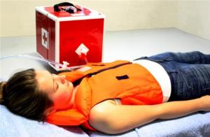 Help for Cardiac Arrest Patients -- Fast and Without Electricity