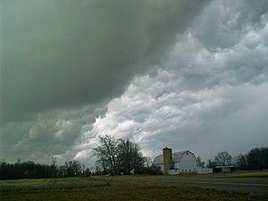 300px-Hail_clouds
