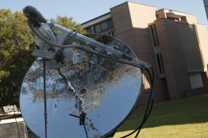 Rice unveils super-efficient solar-energy technology: Solar Steam