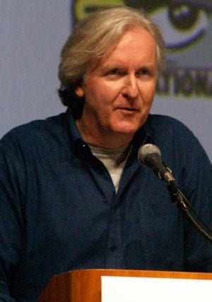 English: James Cameron introduce scenes from t...