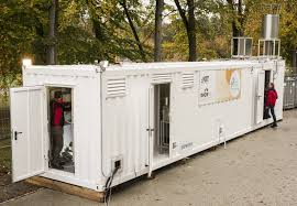 The DemoSNG pilot plant fits into a standard shipping container. It is mobile and can be applied decentrally. (Photo: KIT)
