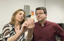 Intelligent biogel attacks cancer