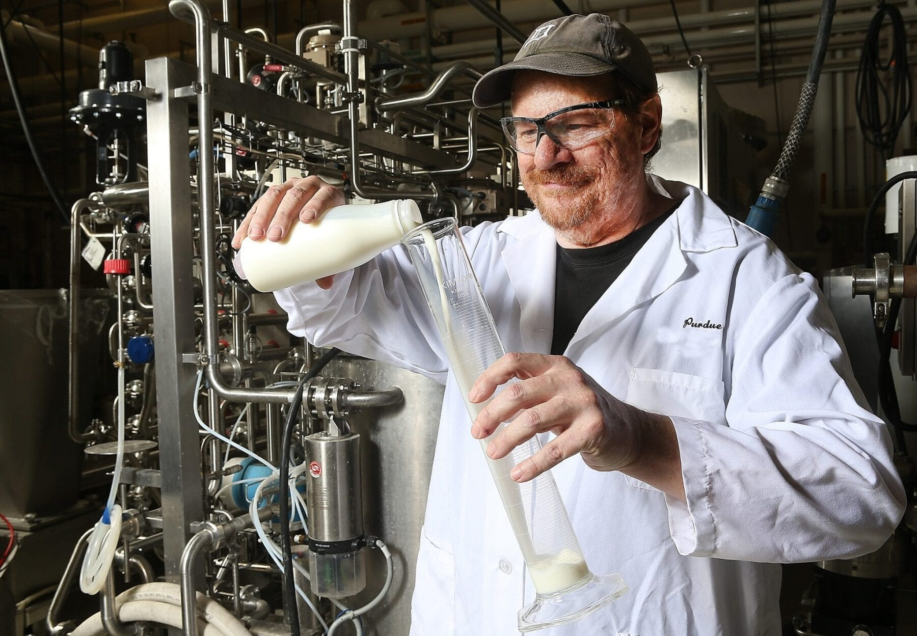 Rapid, low-temperature process adds weeks to milk's shelf life