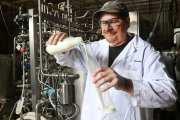 Rapid, low-temperature process adds weeks to milk's shelf life