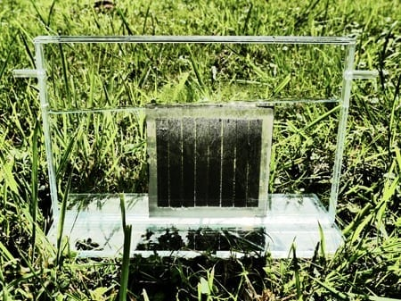 The photosynthesis system of the Jülich solar cell scientists is compact and self-contained, and the flexible design allows for upscaling. The concept can be applied for all thin-film photovoltaic technology and various types of electrolyser. via: Forschungszentrum Jülich