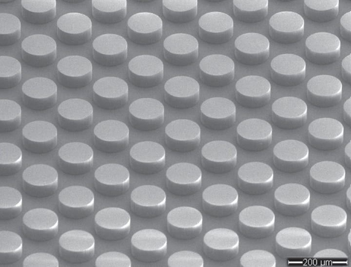 World's first electromagnetic metamaterial made without any metal