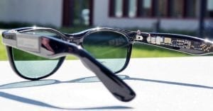 Solar sun glasses generate solar power for mobile applications