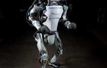 Atlas robot can run, jump and stick a perfect backflip