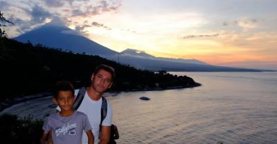 Sullo sfondo il vulcano Gunang Agung - Indonesia