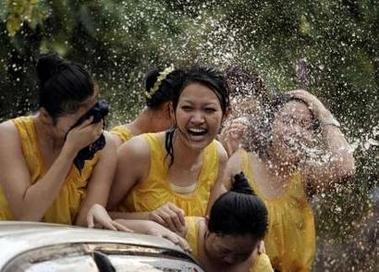 Songkran - festa dell'acqua in Thailandia