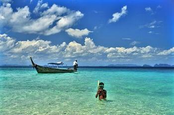 Snorkeling a Koh Samet