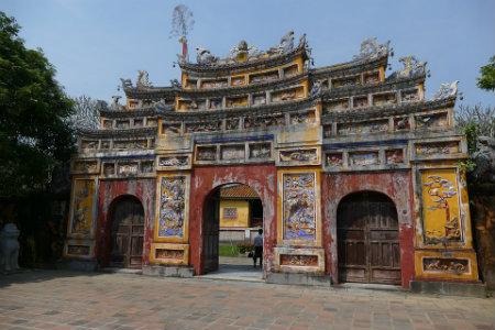 Palazzo Reggia: un luogo imperdibile durante un viaggio in Vietnam.